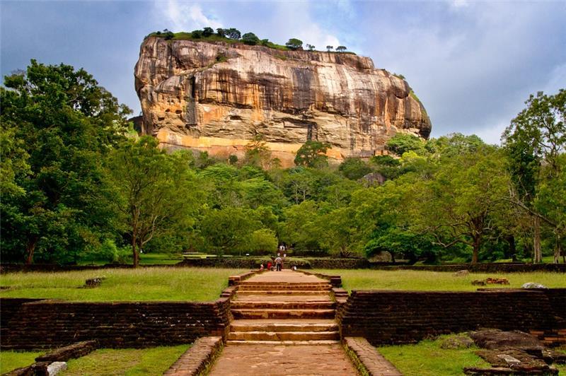 Šri Lanka otok kulturne raznolikosti i zlatnih plaža